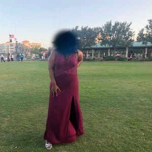 Dresses & Skirts - Elegant/prom dress